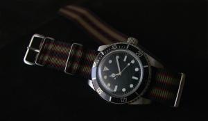 MQJ Submariner Bond